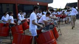 Alpes mancelles activités présente : Concert - LES ALLUMÉS DU BIDON - au domaine du Gasseau à Saint-Léonard-des-Bois le 2018-07-08 16:30:00 - 2018-07-08 18:00:00
