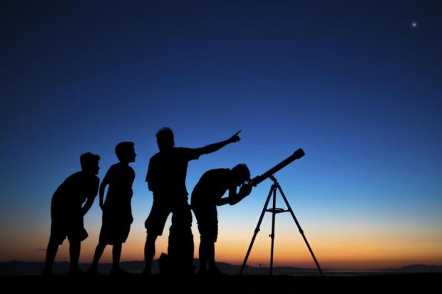 Alpes mancelles activités présente : Les nuits des étoiles filantes le 2018-08-11 22:00:00 - 2018-08-11 23:59:00