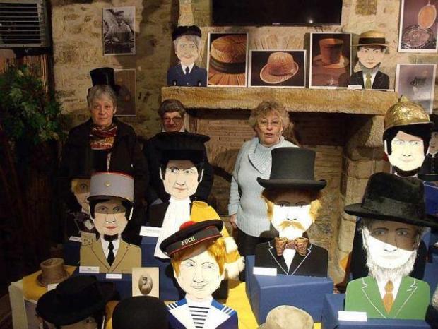 """Musée de la coiffe - Fresnay-sur-Sarthe - Expo temporelle  2016 -  """"chapeaux pour hommes, casquettes, melons, accessoires militaires… des XIXe et XXe siècles"""""""